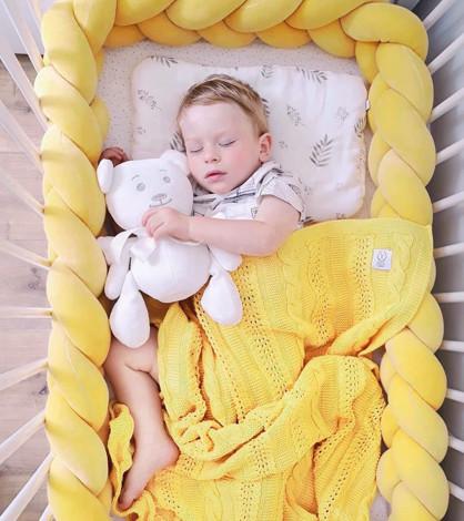 Imagine Protectie impletita Velvet Yellow