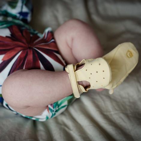 Moonie's - Papucei de piele pentru bebelusi Roz pal F6