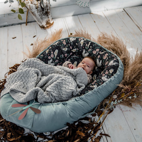Imagine Baby Nest Velvet - Heron in a cream lotus - Smoke mint